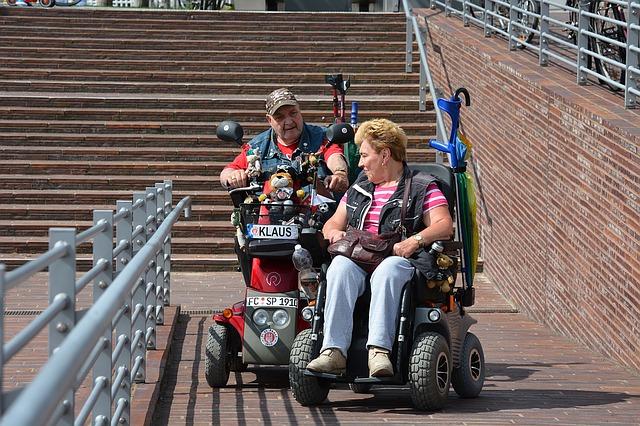 dva vozíčkáři na výletě